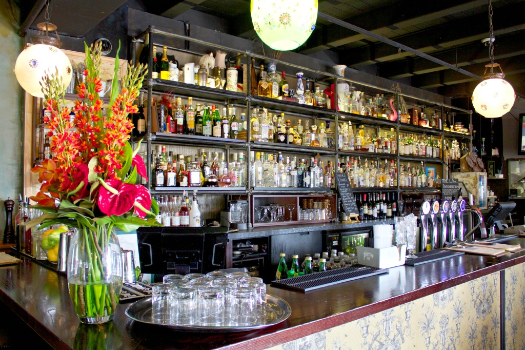auckland bar, ponsonby- kelsey Montague art